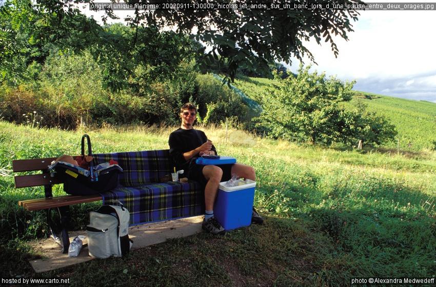 nicolas et andr sur un banc lors d 39 une pause entre deux orages alsace septembre 2002. Black Bedroom Furniture Sets. Home Design Ideas