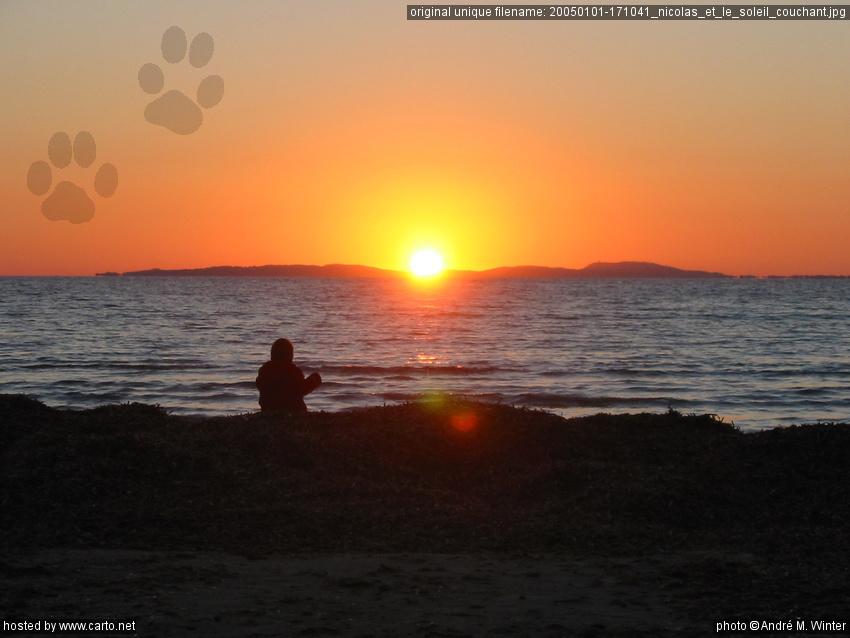 Nicolas et le soleil couchant l 39 esterel fr jus notre dame des anges et plage de l 39 estagnol - Le soleil se couche a l ouest ...