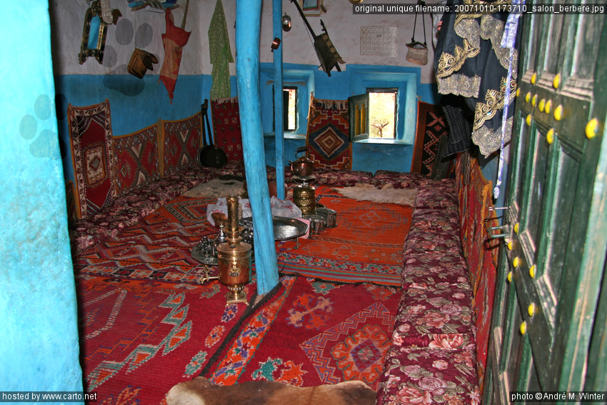 Salon berb re route d 39 agadir tafraoute octobre 2007 - Description d une maison traditionnelle marocaine ...
