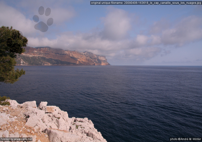 le cap canaille sous les nuages cassis et ses calanques avril 2009. Black Bedroom Furniture Sets. Home Design Ideas