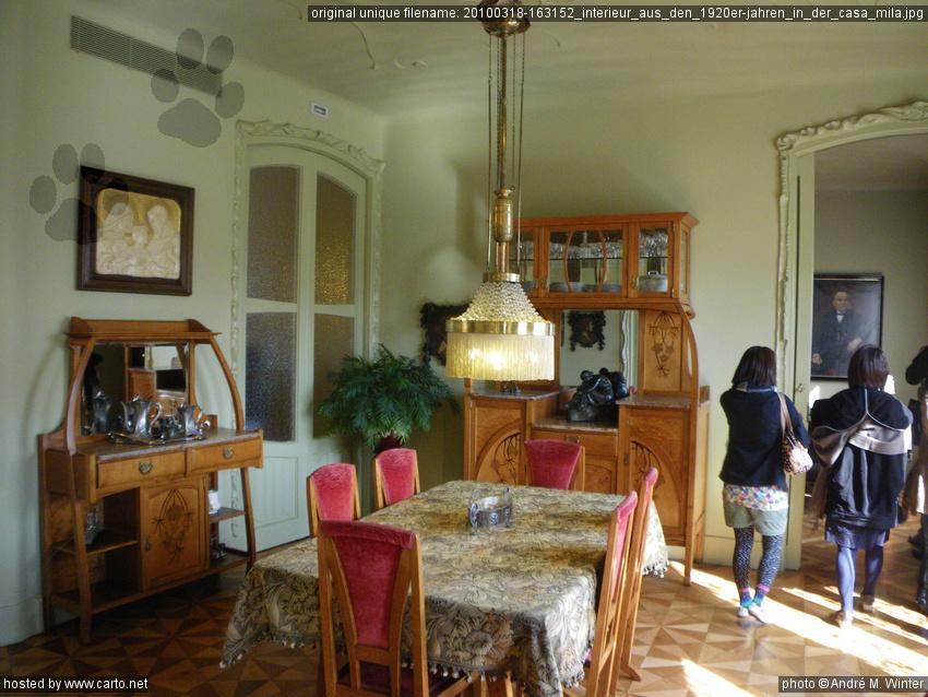 Interieur aus den 1920er-Jahren in der Casa Mila (Casa Mila (La ...
