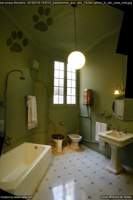 badezimmer 1920, badezimmer aus den 1920er-jahren in der casa mila (casa mila (la, Badezimmer