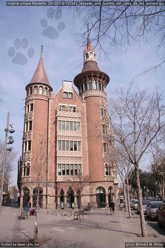 Fassade und t rme der casa de les punxes eixample m rz 2010 - Casa de las punxes ...