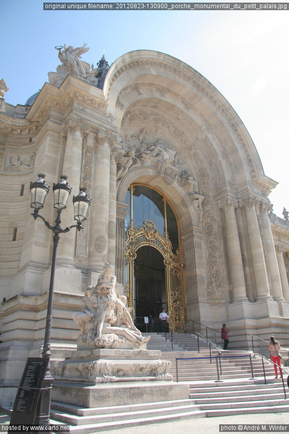 porche monumental du petit palais place de la concorde jardin des tuileries et le louvre. Black Bedroom Furniture Sets. Home Design Ideas