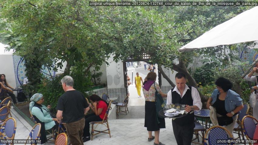 Cour du salon de th de la mosqu e de paris d jeuner la mosqu e de paris ao t 2012 - Mosquee de paris salon de the horaires ...