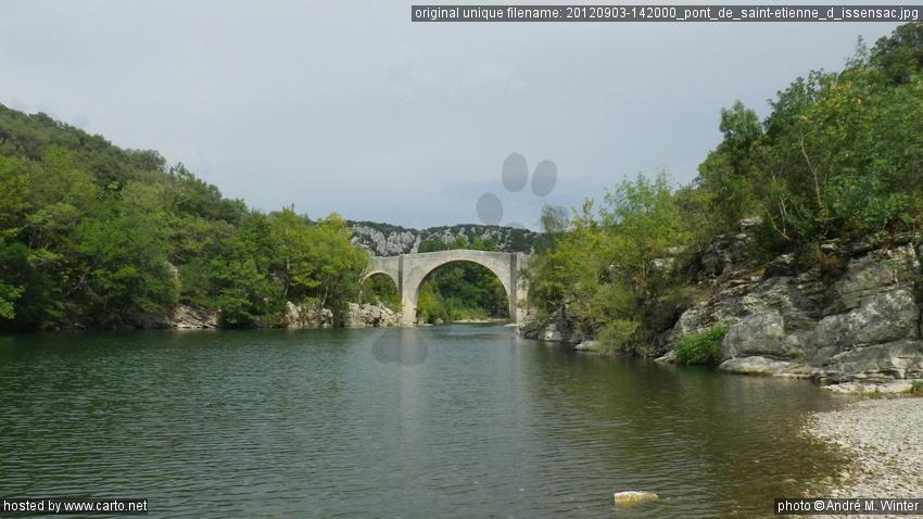 Pont De Saint Etienne D Issensac Pont Et Eglise De St