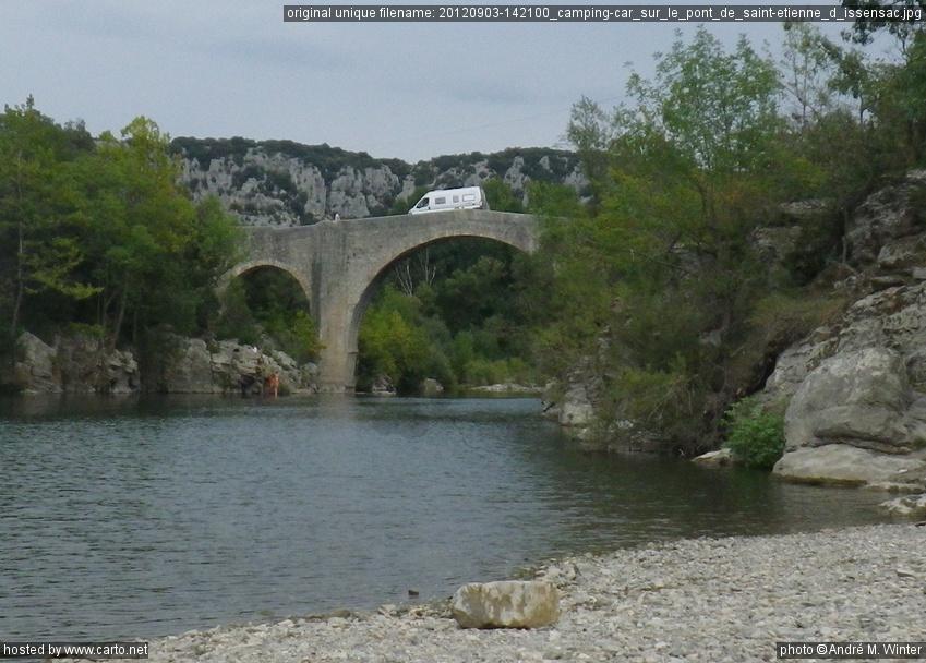 Camping Car Sur Le Pont De Saint Etienne D Issensac Pont Et
