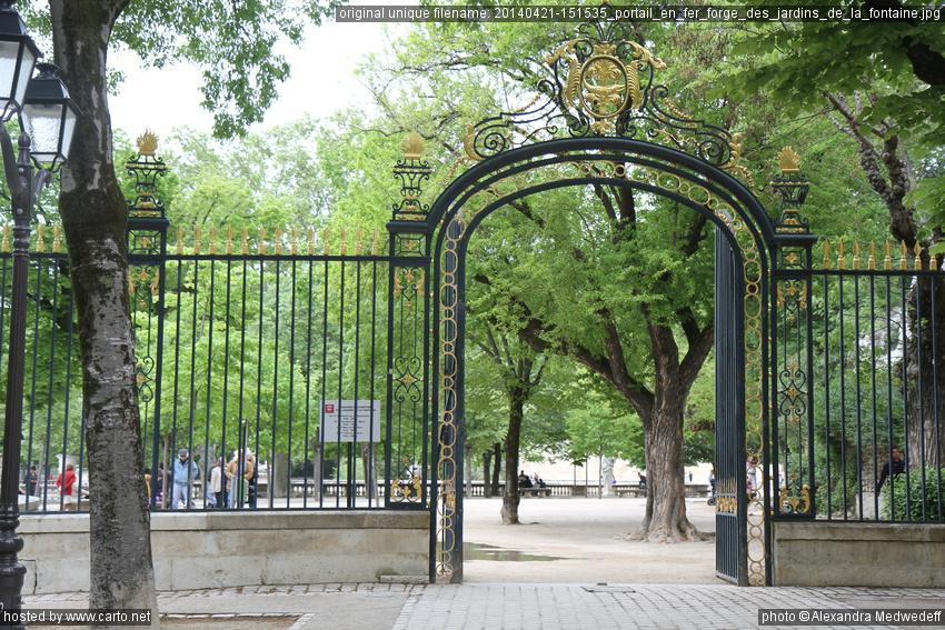 Decoration jardin fer forge nimes maison design for Portail jardin fer forge