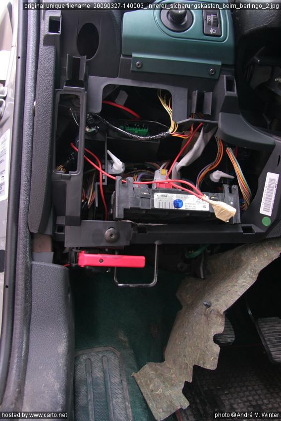 innerer sicherungskasten beim berlingo 2 wechselrichter. Black Bedroom Furniture Sets. Home Design Ideas